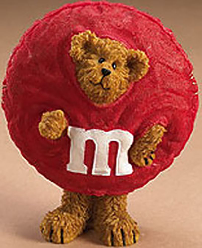 Boyds Candy Peekers are Beary special! The Candy Peekers are adorable Teddy Bears dressed as M & M Characters in Figurines and Plush. Along with M & M hinged boxes! These fantastic Bears have a lot of character as the M & M guys. They won't melt in your hands!