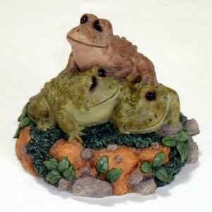 Lou Rankin, who is an artist and sculptor, captures the connection between man and animal through his trademark tender-eye expressions in his plush and figures. Dakin's Lou Rankin Collection of Frog Figurines are replicas of his creations in cold cast resin!